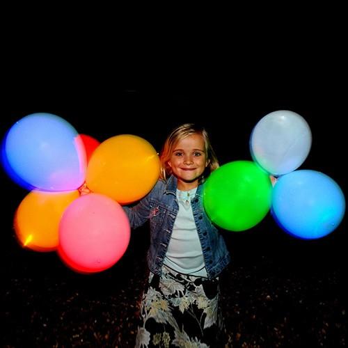 Dla urozmaicenia przyjęcia - świecące balony LED