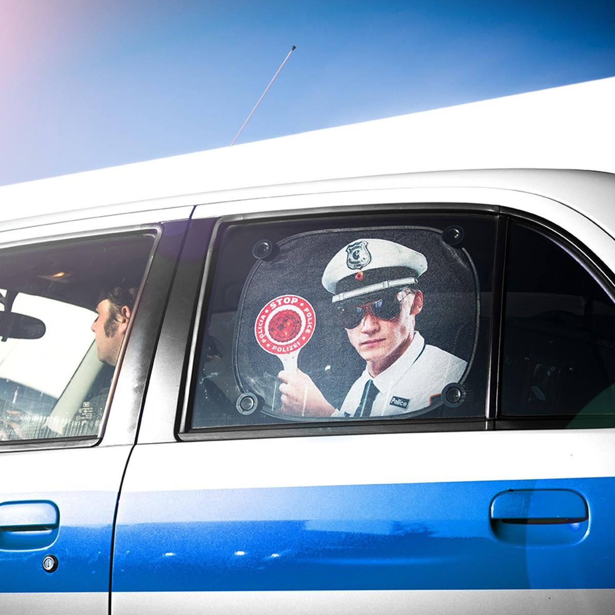Zabawna przeciwsłoneczna osłona do samochodu