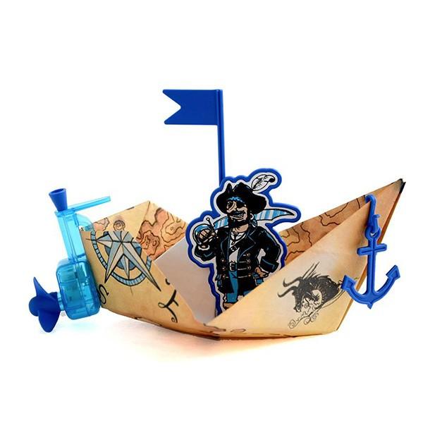 Statek z nieprzemakalnego papieru